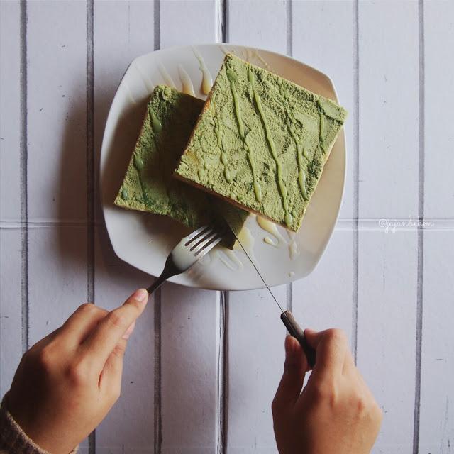 Roti Susu Green Tea.