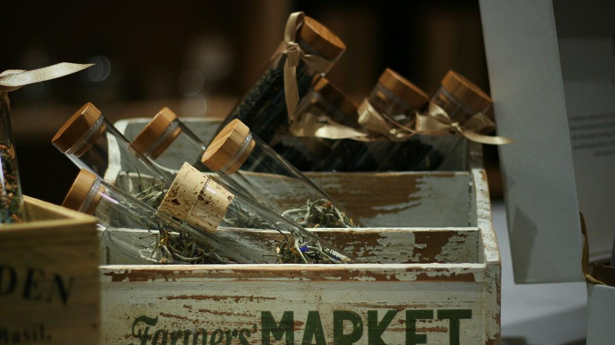 jajanbeken lewis and carrol tea flower market 11