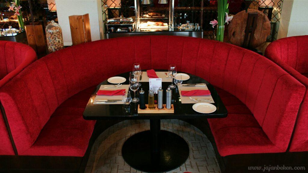 jajanbeken rosso restaurant hotel bintang lima jakarta hotel shangrila