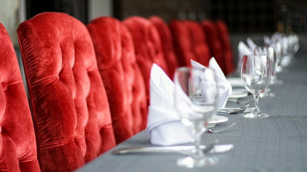 jajanbeken valentino restaurant md place