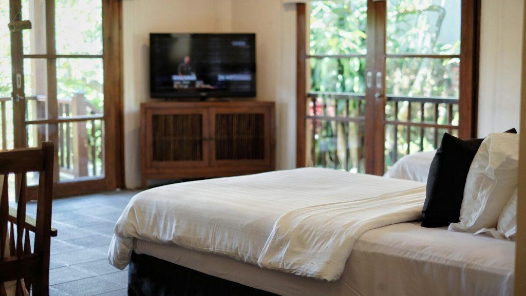 jajanbeken hotel minimalis puncak Novus Giri Puncak