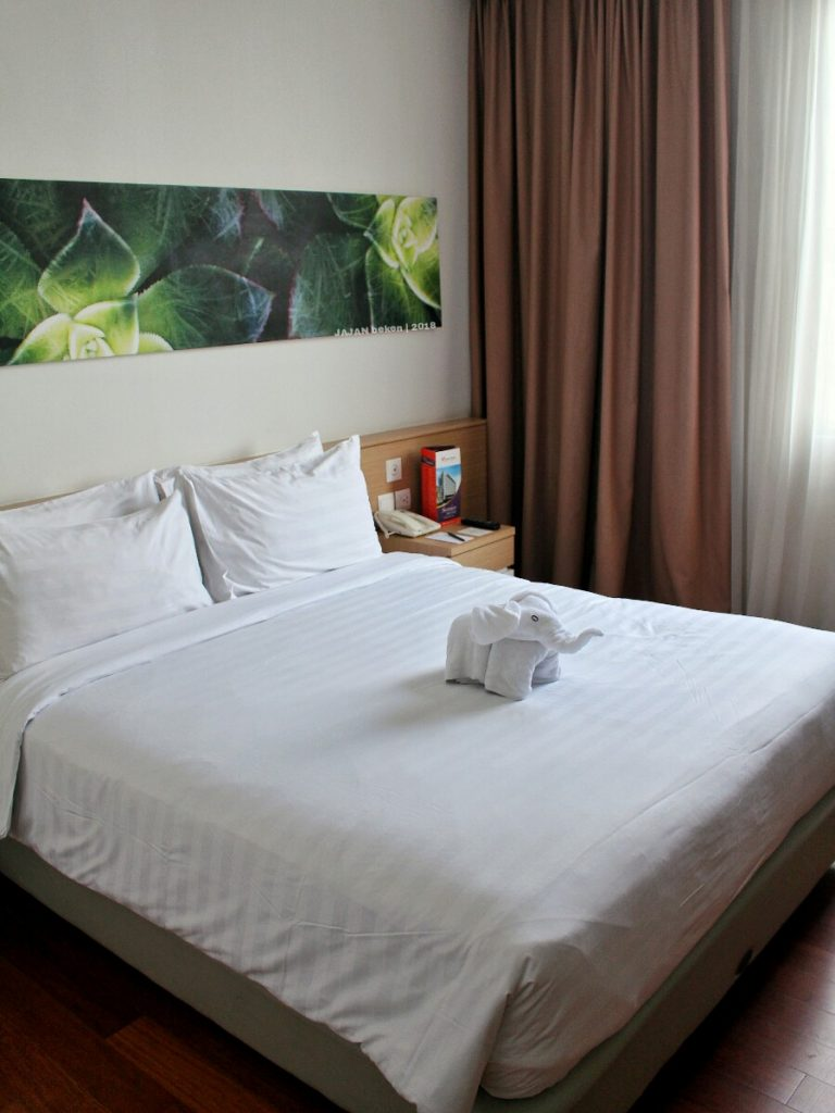jajanbeken cheap hotel near jakarta airport