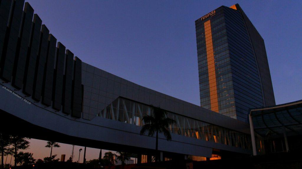 jajanbeken karawang hotel guide