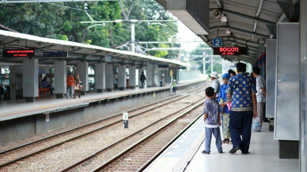 jajanbeken krl commuter line