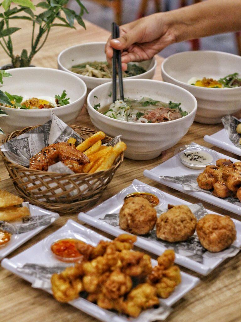 jajanbeken food and travel blogger